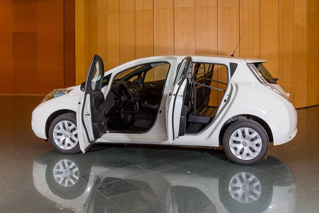 Nissan Leaf VAN porte aperte