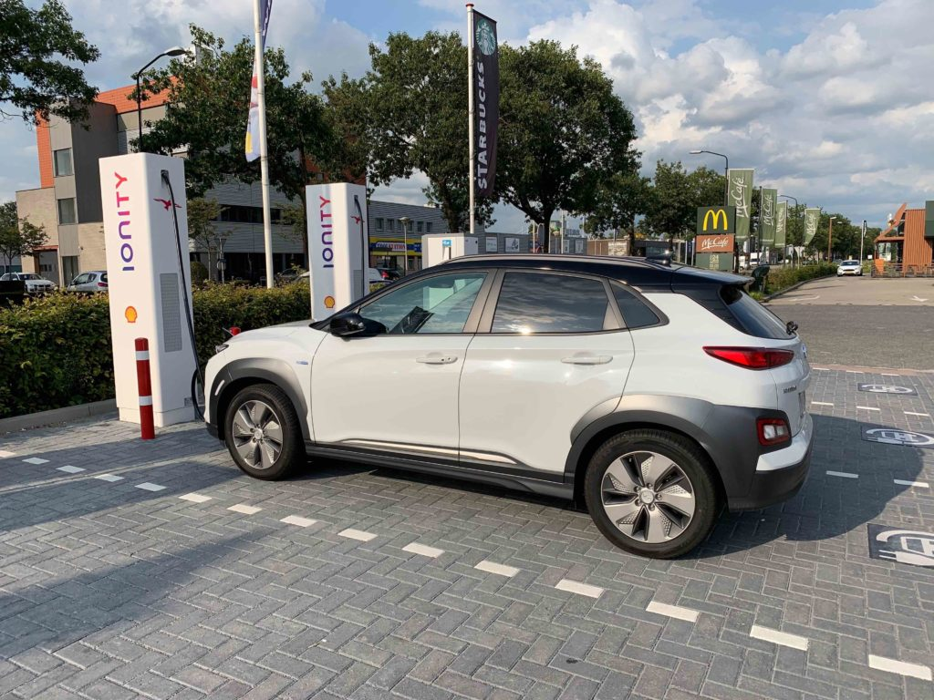 Il listino aggiornato della Hyundai Kona elettrica MY2020.