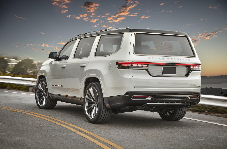 Jeep Grand Wagoneer, la mastodontica e lussuosa suv è anche ibrida plug-in